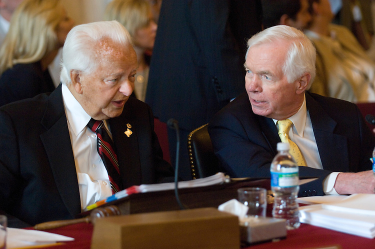 WASHINGTON, DC - July 17: Senate Appropriations Chairman Robert C. Byrd, D-W.Va., and ranking member Thad Cochran, R-Miss., before the markup of fiscal 2009 military construction, agriculture and state-foreign operations  bills. (Photo by Scott J. Ferrell/Congressional Quarterly)