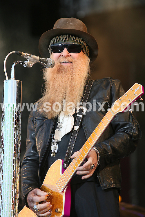 **ALL ROUND PICTURES FROM SOLARPIX.COM**.**SYNDICATION RIGHTS FOR UK AND SPAIN ONLY**.ZZ Top at Svedala Rock Festival, Sweden. 5 June 2009.This pic: ZZ Top..JOB REF: 9167 CPR (Hildebrandt) DATE: 05_06_2009.**MUST CREDIT SOLARPIX.COM OR DOUBLE FEE WILL BE CHARGED**.**ONLINE USAGE FEE GBP 50.00 PER PICTURE - NOTIFICATION OF USAGE TO PHOTO @ SOLARPIX.COM**.**CALL SOLARPIX : +34 952 811 768 or LOW RATE FROM UK 0844 617 7637**