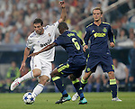MADRID (15/(09/2010).- Champions League match Real Madrid vs Ajax Amsterdam. Gonzalo Higuain and Eyong Enoh...Photo: Cesar Cebolla / ALFAQUI