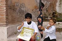 Roma, 8 Giugno 2008.Manifestazione contro la discriminazione e il razzismo organizzata dalle comunità Rom e Sinti di Roma.Rome, June 8, 2008.Demonstration against discrimination and racism organized by the Roma and Sinti communities in Rome