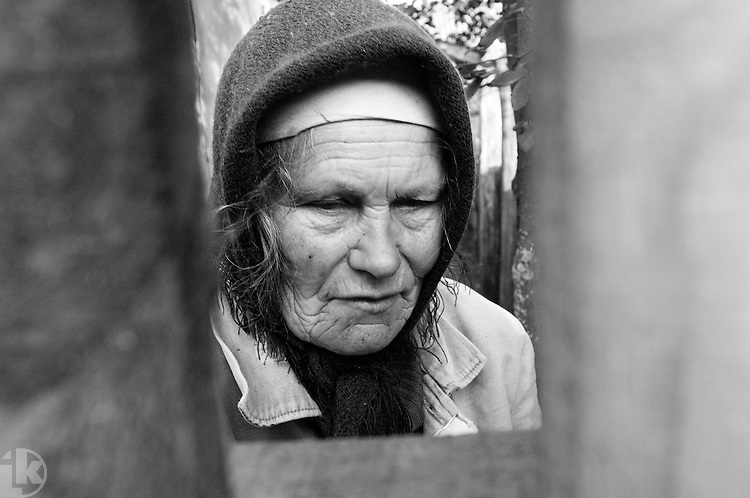 Lonely, neglected people continue to live on. Stracholesie village.