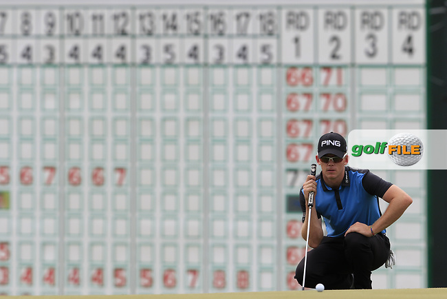 Brandon Stone (RSA) lines up his putt on the 18th green during Saturday's Round 3 of the 117th U.S. Open Championship 2017 held at Erin Hills, Erin, Wisconsin, USA. 17th June 2017.<br /> Picture: Eoin Clarke | Golffile<br /> <br /> <br /> All photos usage must carry mandatory copyright credit (&copy; Golffile | Eoin Clarke)