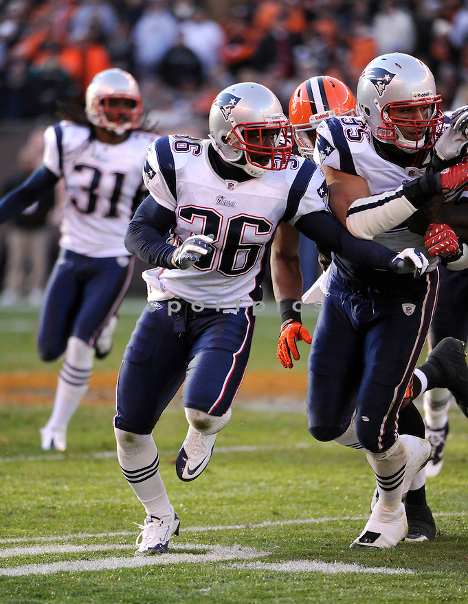 JAMES SANDERS, of the New England Patriots, in action during the Patriots game against the Cleveland Browns on November 7, 2010 at Cleveland Browns Stadium in Cleveland, Ohio.  ..The Browns beat the Patriots 34-14...