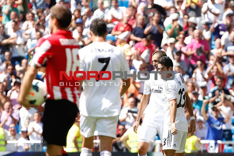 Real Madrid's Isco and Benzema during La Liga Match. September 01, 2013. Foto © nph / Caro Marin)