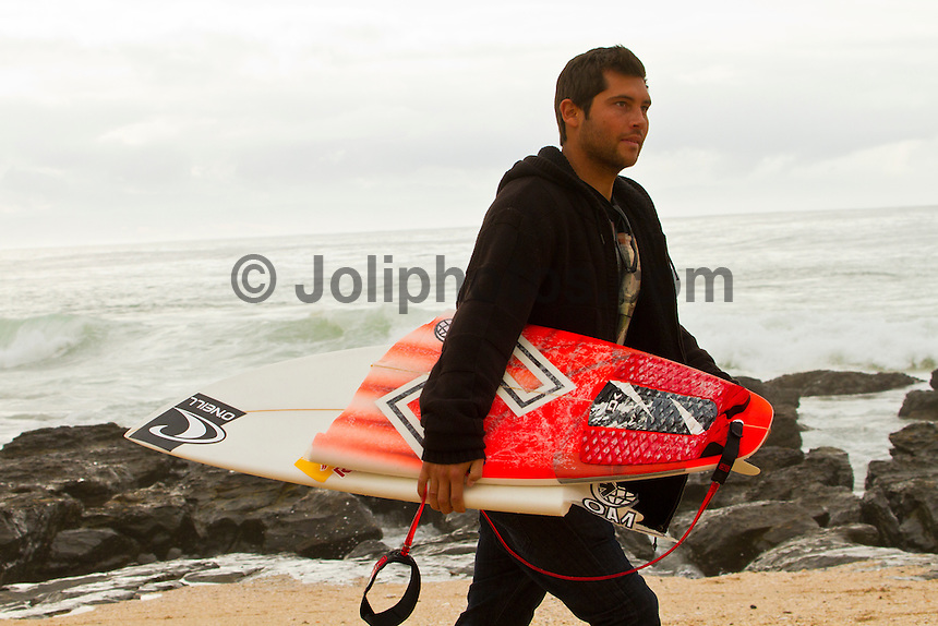 "JEFFREYS BAY, South Africa (Saturday, July 23, 2011) - The Billabong Pro Jeffreys Bay, Event No. 4 of 11 on the 2011 ASP World Title season recommenced this morning with Round 3 at 7:15am in consistent four-to-six foot (1.5 metre) surf.. .After navigating a period of tricky swell, event organizers had been greeted with excellent conditions this morning, opening with Round 3 of competition and following with Rounds 4 and 5.. .""It's been a lengthy wait but we're excited to have such good surf on offer today and will be making the most of it,"" Rich Porta, ASP International Head Judge, said. .Surfline, official forecasters for the Billabong Pro Jeffreys Bay, are calling for a solid SSW push through the day.. .  Photo: joliphotos.com"