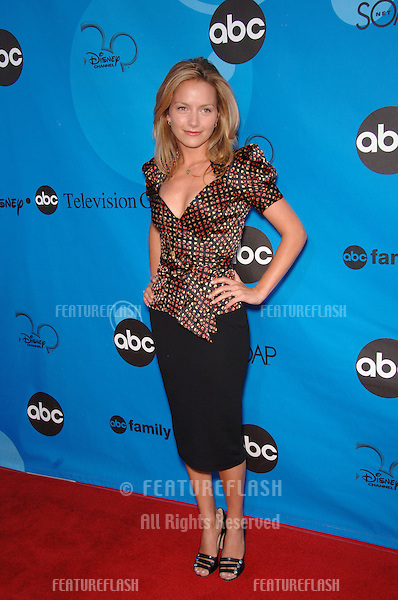 Ugly Betty star BECKI NEWTON at the Disney ABC TV All Star Party at Kidspace in Pasadena..July 19, 2006  Pasadena, CA.© 2006 Paul Smith / Featureflash