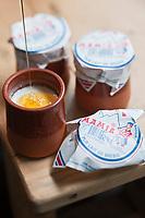Europe/France/Aquitaine/64/Pyrénées-Atlantiques/Pays Basque/Saint-Jean-de-Luz: Mamia, caillé de brebis au miel, recette du restaurant Ostalamer