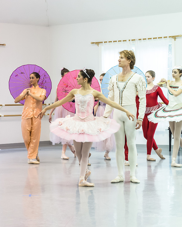 "Cary Ballet Company ""Visions Of Sugarplums"", Studio Rehearsal, Cary Ballet Conservatory,  Cary, North Carolina,  8 Dec 2012"