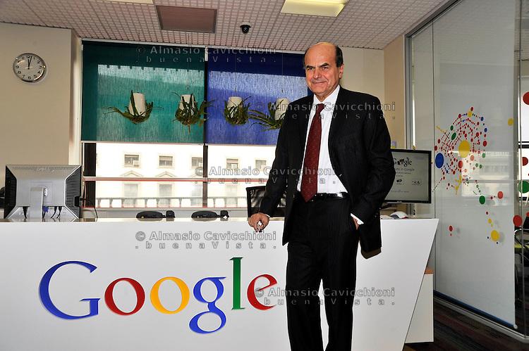 MAR 12 2012, Milano - Il segretario del Pd Pier Luigi Bersani visita la sede di Google Italia.MAR 12, 2012, Milan - The Secretary of the Democratic Party Pier Luigi Bersani visits the headquarters of Google Italy