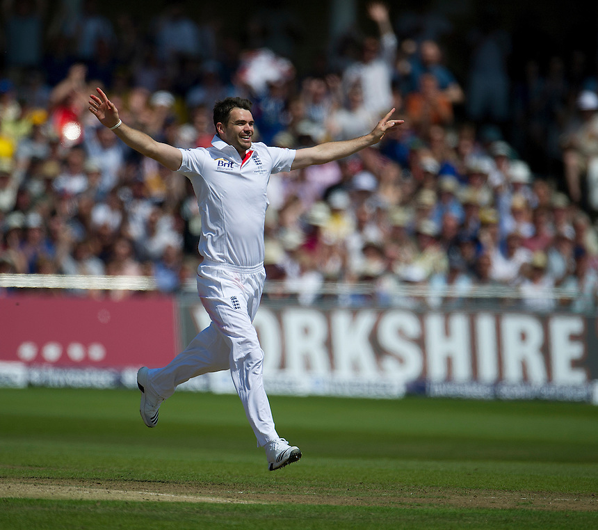 England's James Anderson celebrates taking the wicket of Australia's Peter Siddle  - PM Siddle c Prior b Anderson 1<br /> <br />  (Photo by Stephen White/CameraSport) <br /> <br /> International Cricket - First Investec Ashes Test Match - England v Australia - Day 2 - Thursday 11th July 2013 - Trent Bridge - Nottingham<br /> <br /> &copy; CameraSport - 43 Linden Ave. Countesthorpe. Leicester. England. LE8 5PG - Tel: +44 (0) 116 277 4147 - admin@camerasport.com - www.camerasport.com