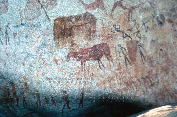 Africa, Zimbabwe, Domboshawa, disegni rupestri che risalgono a circa 6000 anni fa.<br /> Africa, Zimbabwe, Domboshawa, cave paintings which date back almost 6000 years
