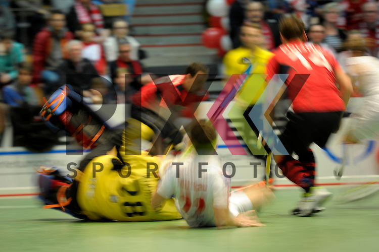 GER - Luebeck, Germany, February 06: During the 1. Bundesliga Herren indoor hockey semi final match at the Final 4 between Berliner HC (red) and Rot-Weiss Koeln (white) on February 6, 2016 at Hansehalle Luebeck in Luebeck, Germany. Final score 2-3 (HT 6-10). <br /> <br /> Foto &copy; PIX-Sportfotos *** Foto ist honorarpflichtig! *** Auf Anfrage in hoeherer Qualitaet/Aufloesung. Belegexemplar erbeten. Veroeffentlichung ausschliesslich fuer journalistisch-publizistische Zwecke. For editorial use only.
