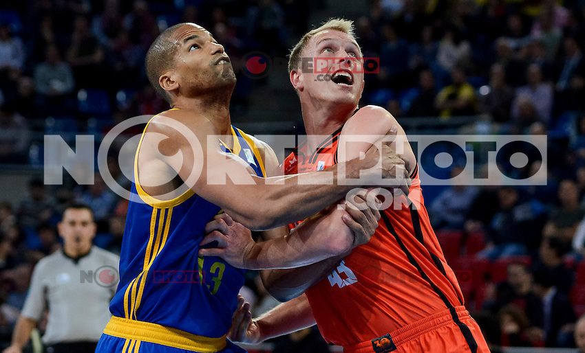 Valencia Basket's Luke Sikma and Herbalife Gran Canaria's Eulis Baez during Quarter Finals match of 2017 King's Cup at Fernando Buesa Arena in Vitoria, Spain. February 17, 2017. (ALTERPHOTOS/BorjaB.Hojas) /Nortephoto.com