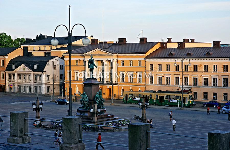 Praça na cidade de Helsinki. Finlândia. 2007. Foto de Vinicius Romanini.