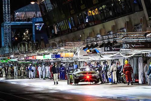 16.06.2016. Le Mans Circuit, Le Mans, France. Le Mans 24 Hours  Qualifying. Aston Martin Racing Aston Martin Vantage GTE LMGTE Pro driven by Nicki Thiim, Marco Sorensen and Darren Turner.