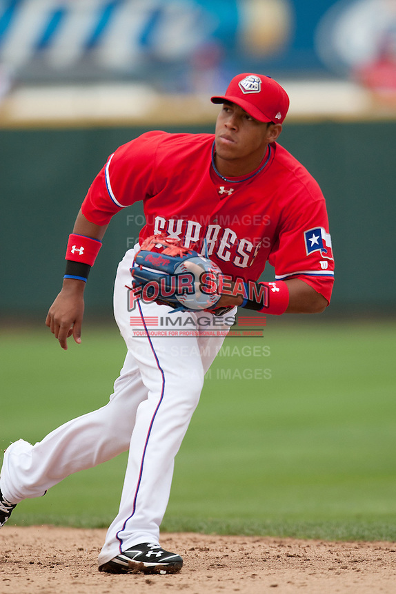 Round Rock Express second baseman Yangervis Solarte #26 tracks a ground ball during the Pacific Coast League baseball game against the Iowa Cubs on April 15, 2012 at the Dell Diamond in Round Rock, Texas. The Express beat the Cubs 11-10 in 13 innings. (Andrew Woolley / Four Seam Images).