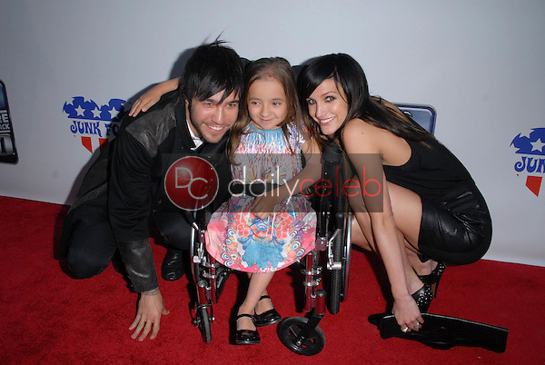 Pete Wentz and Ashlee Simpson-Wentz<br />