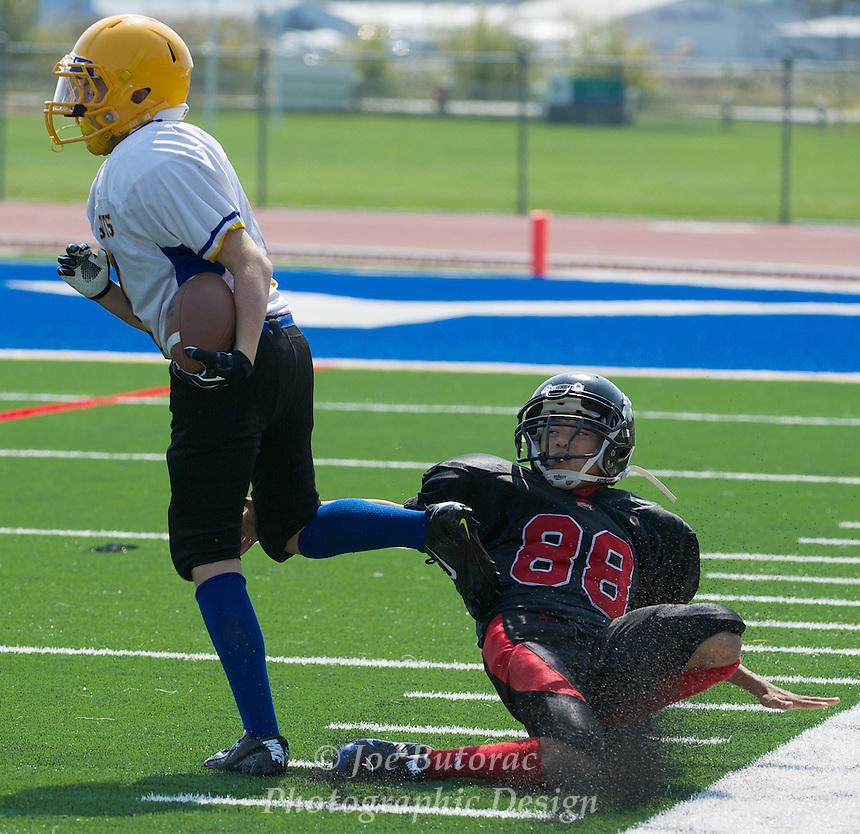 Langley Outlaws vs Meadowridge White JR Bantam Golden Helmet Tournament