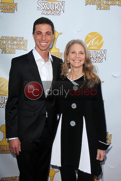 Alex Kingi, Lindsay Wagner<br />
