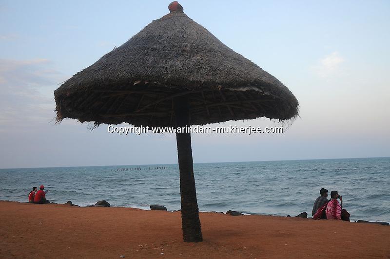 Indian couples at the beach of Pondicherry.Arindam Mukherjee/Sipa