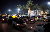 Libyan Arab Jamahiriya   .Tripoli       June 2002.Evening traffic on the Green Square..Libia Tripoli  Giugno 2002.Traffico serale sulla Piazza verde..