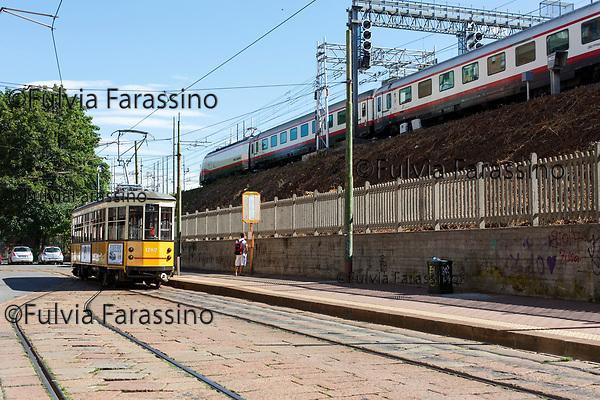 Milano, Ortica, luglio 2017 capolinea tram n. 5