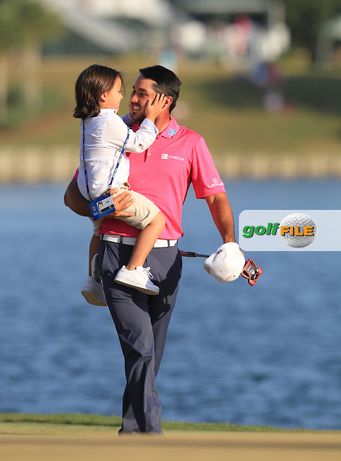 Jason Day (AUS) and son Dash,  Champion of The Players 2016 , TPC Sawgrass, Ponte Vedra Beach, Jacksonville.   Florida, USA. 15/05/2016.<br /> Picture: Golffile | Mark Davison<br /> <br /> <br /> All photo usage must carry mandatory copyright credit (&copy; Golffile | Mark Davison)