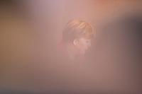 Bundeskanzlerin Angela Merkel (CDU) wartet am Mittwoch (11.03.15) in Berlin im Bundeskanzleramt auf den Beginn der Kabinettssitzung.<br /> Foto: Axel Schmidt/CommonLens