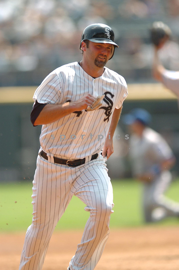PAUL KONERKO, of the Chicago White Sox, in action during the White Sox game against the Kansas City Royals  in Chicago on September 22, 2007.  The Royals  won the game 7-6...........