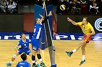 GRONINGEN - Volleybal, Lycurgus - Dynamo Apeldoorn, Martiniplaza,  Eredivisie, seizoen 2018-2019, 11-11-2018,  blok Lycurgus speler Dennis Borst