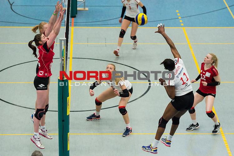 21.02.2015, Halle Berg Fidel, Muenster<br /> Volleyball, Bundesliga Frauen, USC M&uuml;Ÿnster / Muenster vs. Rote Raben Vilsbiburg<br /> <br /> Block / Doppelblock Leonie Schwertmann (#18 Muenster), Wiebke Silge (#12 Muenster) - Angriff Liana Mesa Luaces (#11 Vilsbiburg)<br /> <br />   Foto &copy; nordphoto / Kurth