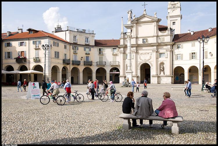 VENARIA REALE - Piazza SS Annunziata