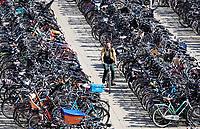 Nederland  Amsterdam - 2019. Fietsen bij station Sloterdijk.   Berlinda van Dam / Hollandse Hoogte