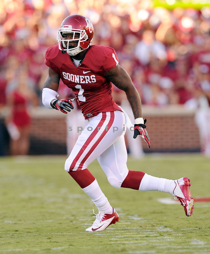 Oklahoma Sooners Tony Jefferson (1) in action during a game against Kansas State on September 22, 2012 at Gaylord Family Oklahoma Memorial Stadium in Norman, OK. Kansas State beat Oklahoma 24-19.