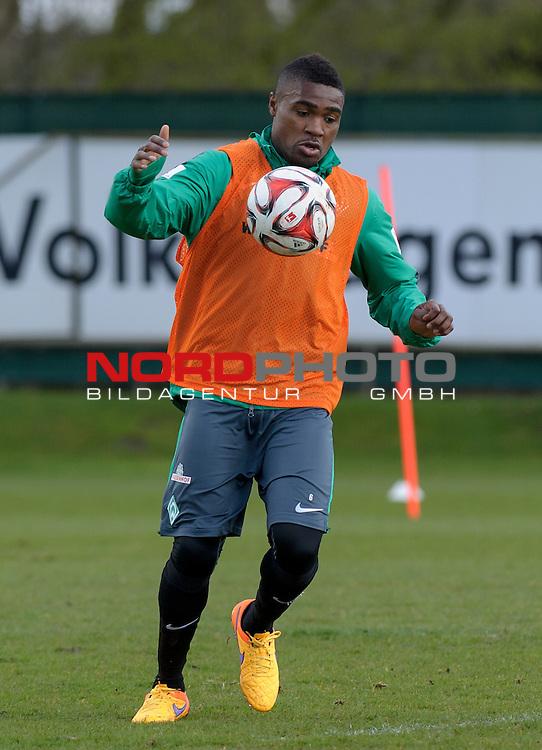 02.04.2015, Trainingsgelaende, Bremen, GER, 1.FBL, Training Werder Bremen, im Bild C&eacute;dric Makiadi (Bremen #6)<br /> <br /> Foto &copy; nordphoto / Frisch