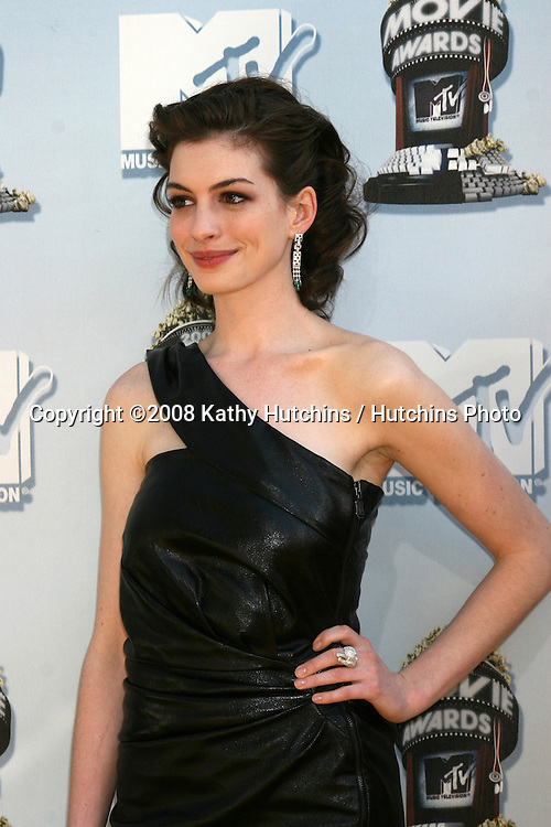 Anne Hathaway.MTV Movie Awards 2008.Universal City.Los Angeles,  CA.May 31, 2008.©2008 Kathy Hutchins / Hutchins Photo .