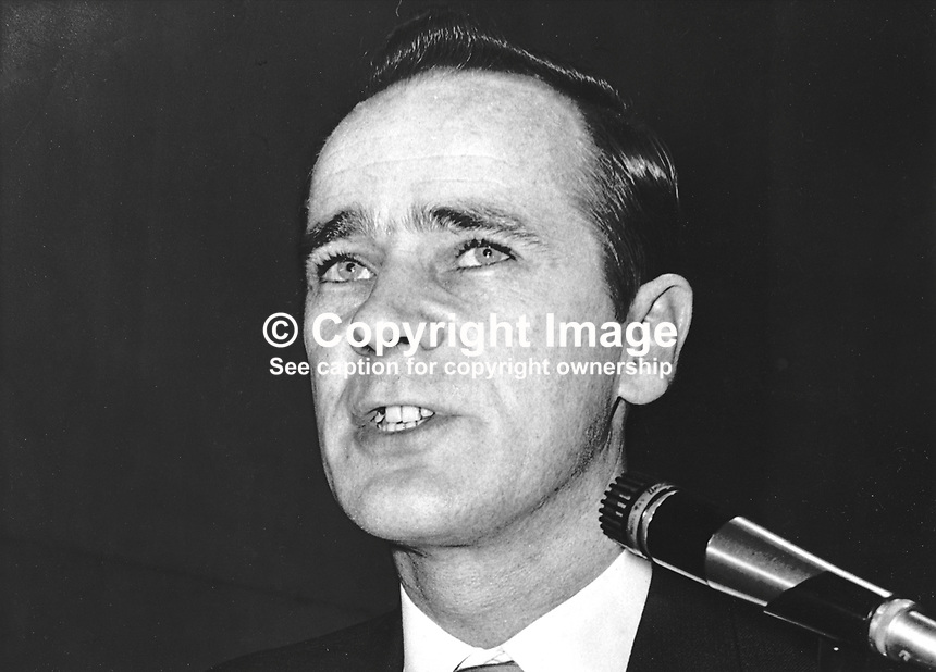 David O'Connell, aka Daithi O Conaill, prominent member, Provisional IRA, speaking, unknown location, Ireland. 197408270425.<br />