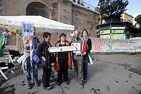 Roma, 7 Maggio 2012.Colosseo.La Rete Romana di Solidarietà con il Popolo Palestinese entra in  sciopero della fame in solidarietà con i prigionieri politici Palestinesi, come forma attiva di resistenza all'occupazione militare israeliana