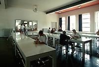 Deutschland, Sachsen-Anhalt, Bauhaus in Dessau, Unesco-Weltkulturerbe, Mensa