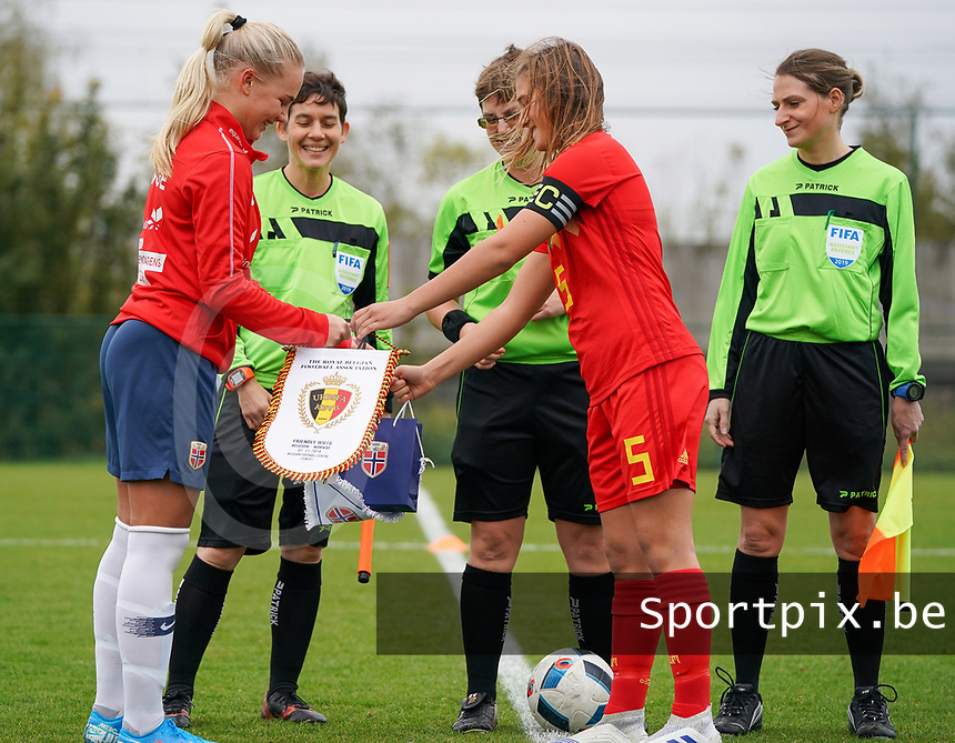 20191101 - Tubize: Belgian captain Melissa Tom (R) and Norwegian captain Cathinka Friis Tandberg(L) pictured during the international friendly match between Red Flames U16 (Belgium) and Norway U16 on 1 November 2019 at Belgian Football Centre, Tubize. PHOTO:  SPORTPIX.BE | SEVIL OKTEM