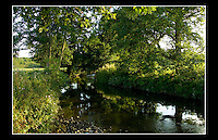 Afon Alun (River Alyn) - 2nd September 2005 - The River Alyn is a tributary of the River Dee. Rising at the Southern end of the Clwydian hills and the Alyn Valley forming part of the Clwydian Range. The main town on the river Alyn is Mold, the county town of Flintshire