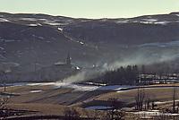 Europe/France/Auvergne/15/Cantal/Ségur les Villas: Brume sur le village