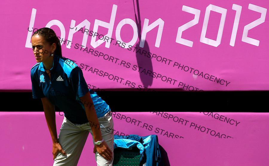 Olympic games London 2012.Tennis tournament.Victoria Azarenka BLR v Irina-Camelia Begu ROU.Victoria Azarenka returnes the ball.London, 30.07.2012..foto: Srdjan Stevanovic/Starsportphoto ©