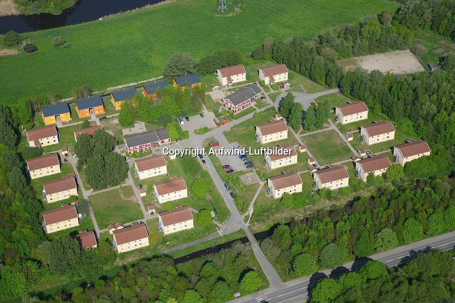 Asylantenheim Curslacker Neuer Deich: EUROPA, DEUTSCHLAND, HAMBURG, BERGEDORD (EUROPE, GERMANY), 01.05.2014: Asylantenheim Curslacker Neuer Deich