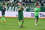 15.04.2018, Weser Stadion, Bremen, GER, 1.FBL, Werder Bremen vs RB Leibzig, im Bild<br /> <br /> Dank an die Fans nach dem Spiel <br /> Thomas Delaney (Werder Bremen #6)<br /> <br /> Foto &copy; nordphoto / Kokenge