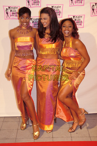 DESTINY'S CHILD.Beyonce Knowles, Kelly Rowland.coordinating, matching, gold.Ref: 7959.www.capitalpictures.com.sales@capitalpictures.com.© Capital Pictures