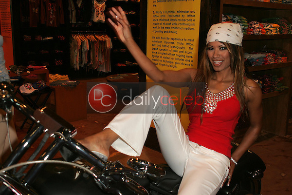 Traci Bingham<br />at a Celebrity Autograph Session of Ed Hardy T-Shirts specifically designed after the devastation of Katrina to raise Donations for the American Red Cross. Ed Hardy, Los Angeles, CA. 09-08-05<br />Dave Edwards/DailyCeleb.Com 818-249-4998