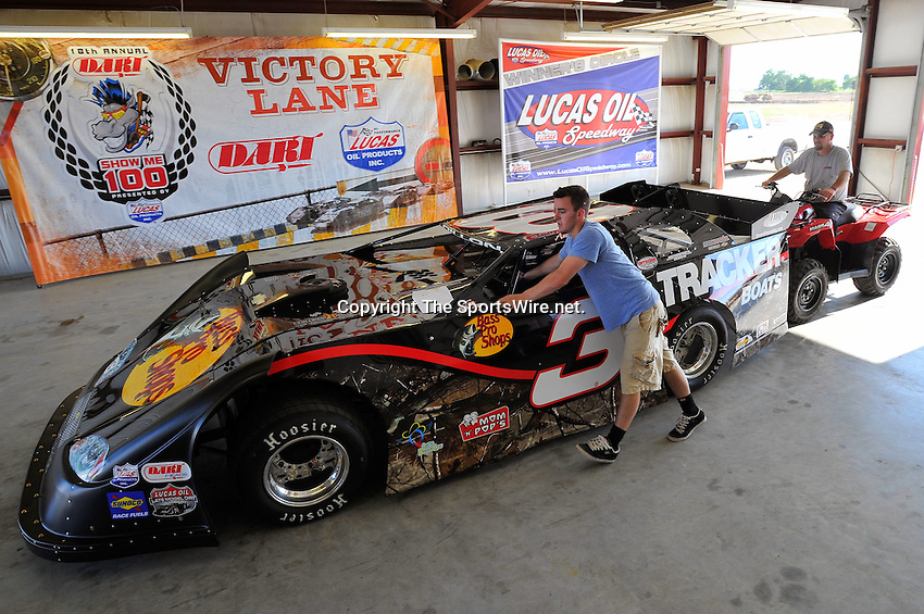 May 27, 2010; 4:33:22 PM; Wheatland, Mo., USA; The  Lucas Oil Late Model Dirt Series running the 18th Annual Dart Show-Me 100 event at the Lucas Oil Speedway.  Mandatory Credit: (thesportswire.net)