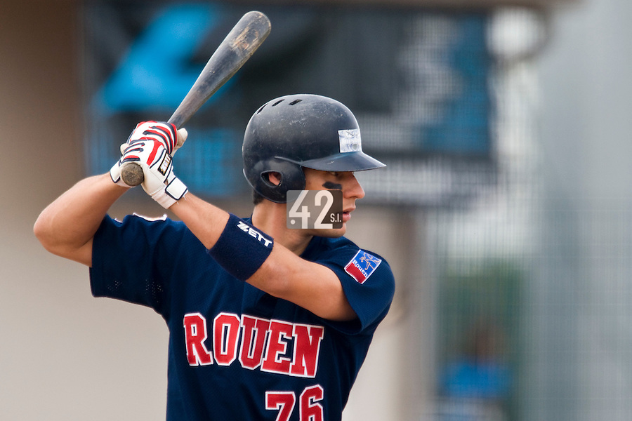 12 Oct 2008: Romain David is seen at bat during game 2 of the french championship finals between Templiers (Senart) and Huskies (Rouen) in Chartres, France. The Huskies win 7-4 over the Templiers.
