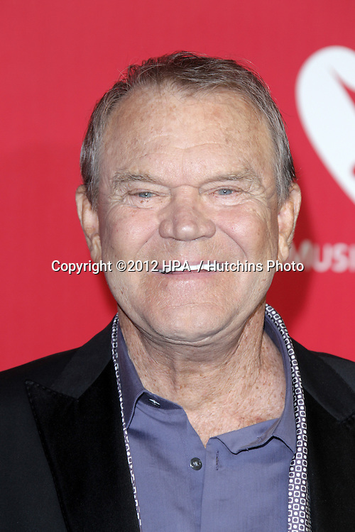 LOS ANGELES - FEB 10:  Glen Campbell arrives at the 2012 MusiCares Gala honoring Paul McCartney at LA Convention Center on February 10, 2012 in Los Angeles, CA
